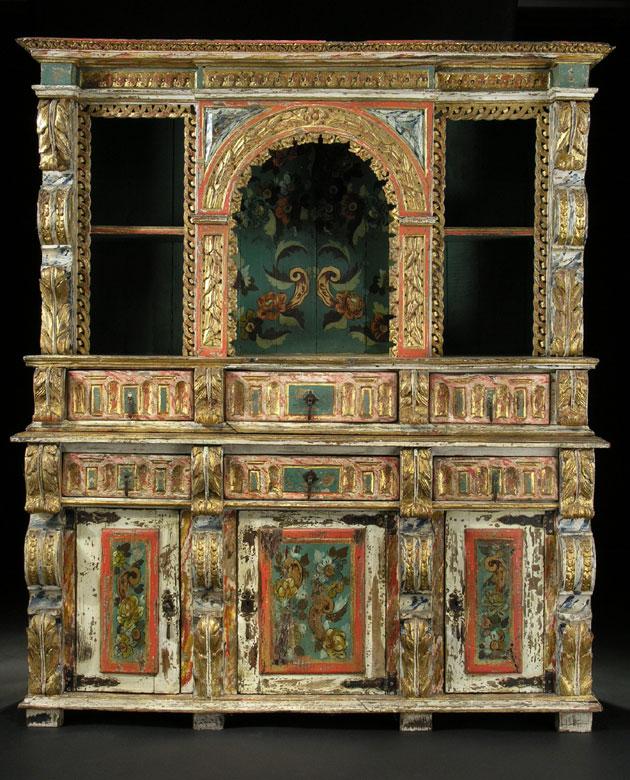Spanischer, gefasster, bemalter und vergoldeter Aufsatzschrank des Barock.