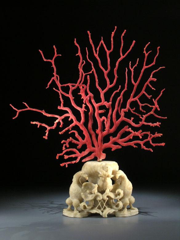 Barockes Kunstkammerobjekt mit Korallenbaum