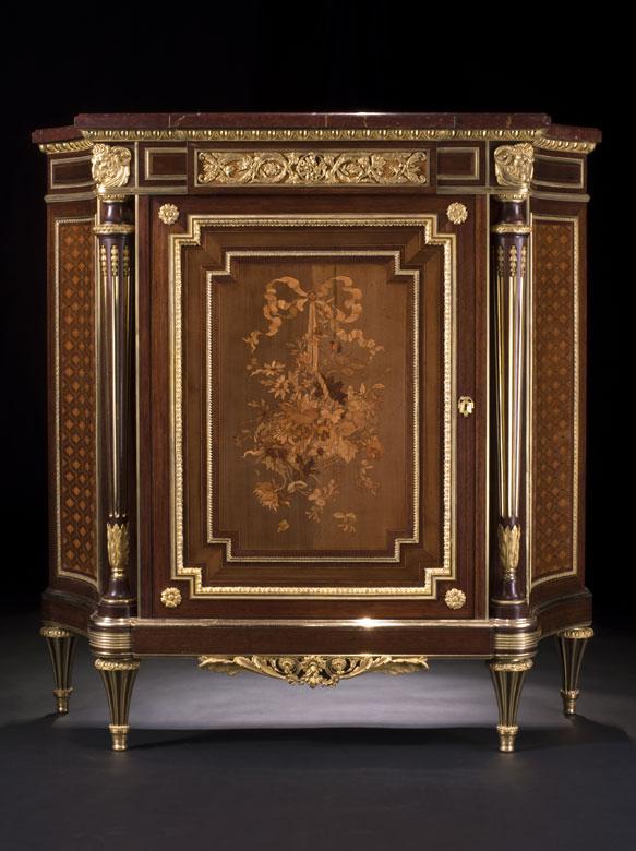 Qualitätvolle, reich dekorierte Salonkommode, Stil Napoleon III.