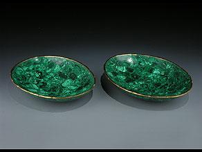 Detail images:  Paar ovale Bronzeschalen mit Malachitauflage