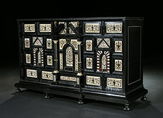 Detail images: Kabinettschrank mit Elfenbeinintarsien des 17. Jahrhunderts