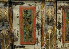 Detail images: Spanischer, gefasster, bemalter und vergoldeter Aufsatzschrank des Barock.