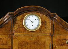 Detail images: Barocker Aufsatzsekretär mit eingebauter Uhr