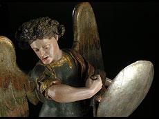 Detail images: Schnitzfigur des Heiligen Michael
