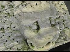 Detail images: Marmor-Löwenkopf als Wasserspeier