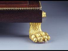 Detail images: Tischuhr mit Palisandergehäuse und Werk von Robert & Courvoisier