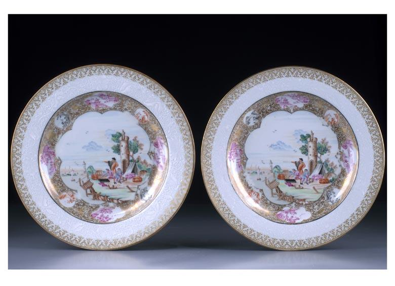 Paar sehr feine Famille rose Export-Porzellanteller