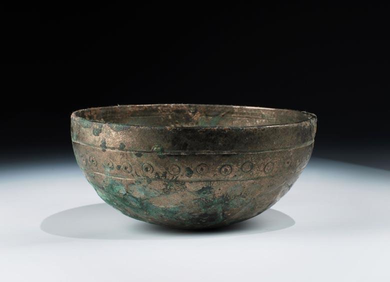 Archaische chinesische Bronzeschale