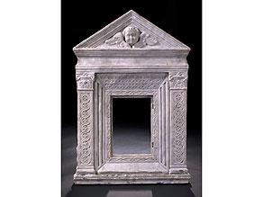 Detail images:  Italienische Marmor-Ädikula 16. Jahrhundert