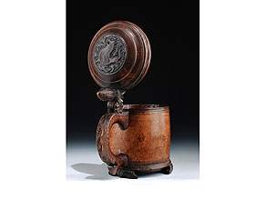 Detail images:  Norwegischer Holzkrug des 18. Jahrhunderts