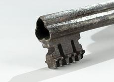Detail images: Großes Vorhängeschloss in Eisen