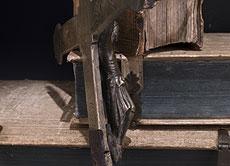 Detail images: Gotisches Bronzekreuz mit Corpus Christi