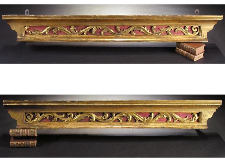Paar geschnitzte, gefasste und vergoldete Wandkonsolen beziehungsweise Lambrequins