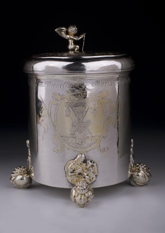 Großer silberner Hochzeits-Deckelhumpen mit Datierung 1772