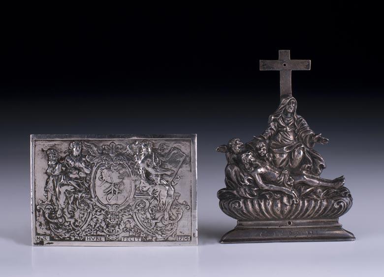 Zwei Silberplaketten