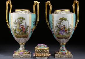 Detail images:  Paar Porzellanamphorenvasen