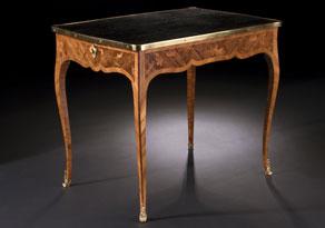 Detailabbildung:  Kleiner Pariser Louis XV-Schreibtisch