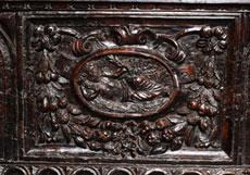 Detail images: Bedeutende italienische Renaissance-Truhe in Nussbaumholz