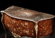 Detailabbildung: Bedeutende französische Louis XV-Kommode um 1755, signiert von Christophe Wolff