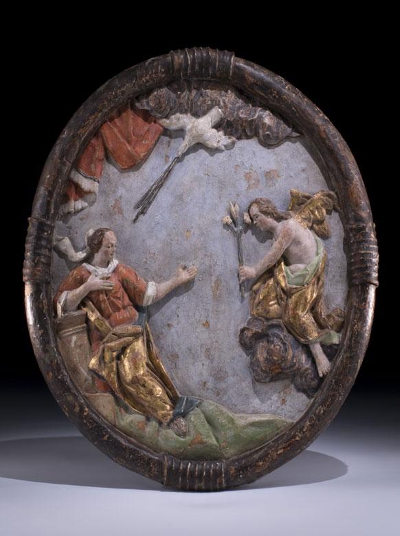 Reliefschnitzerei mit Darstellung der Verkündigung Mariens