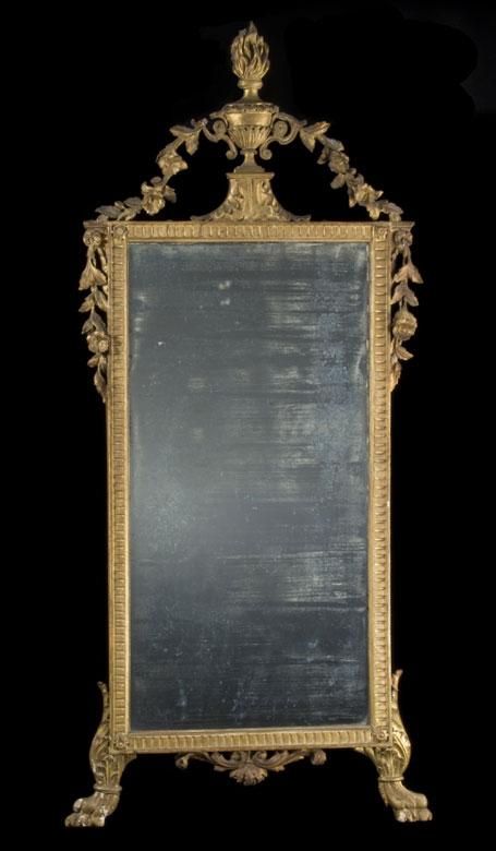 Geschnitzter und vergoldeter Louis XVI-Wandspiegel