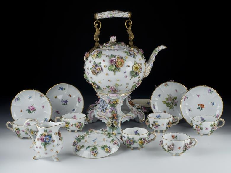 Meißener Porzellanservice mit großer Teekanne