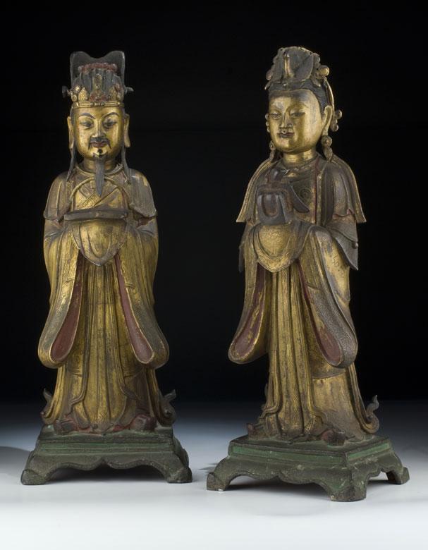 Paar chinesische Bronzestatuen