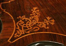 Detail images: Reich intarsierter Schreibtisch mit Schubladenaufsatz