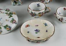 Detail images: Meißener Porzellanservice mit großer Teekanne