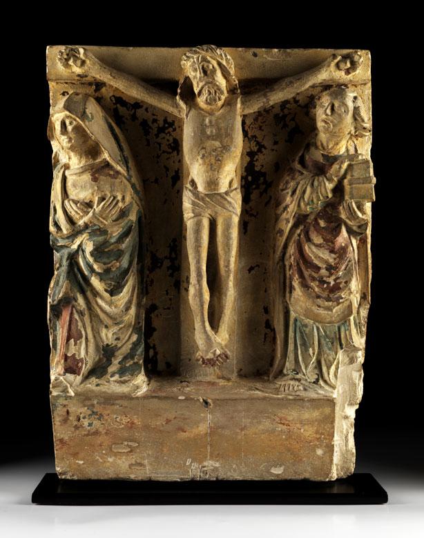 Christus am Kreuz mit Assistenzfiguren