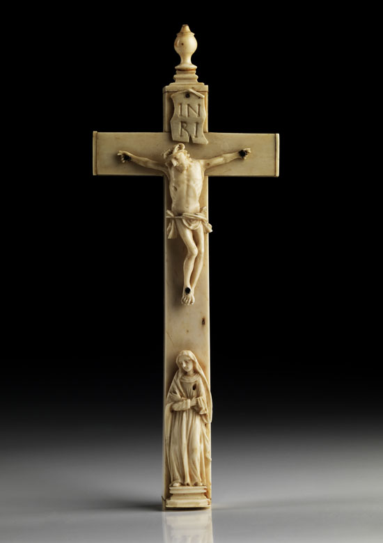 Elfenbein-Reliquienkreuz