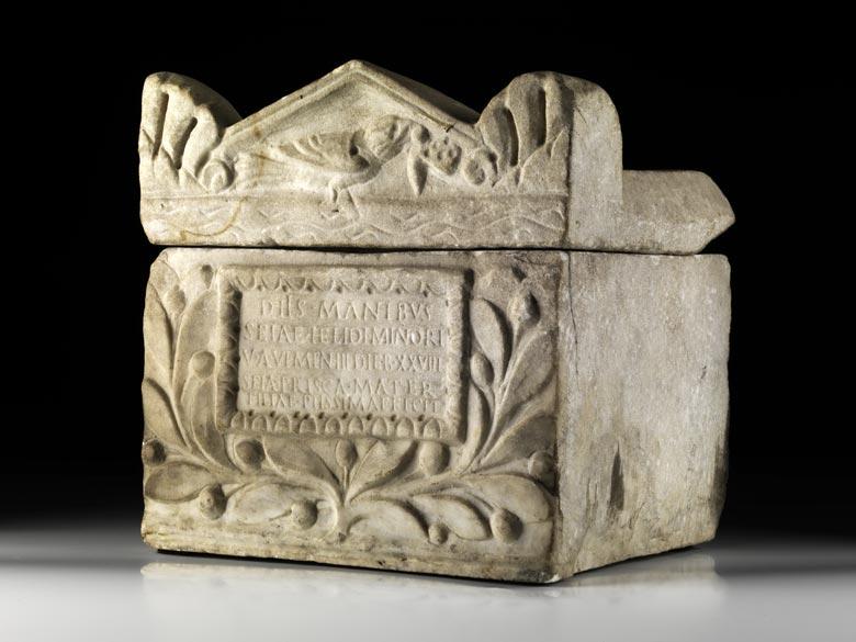 Römisches Marmor-Ossuarium