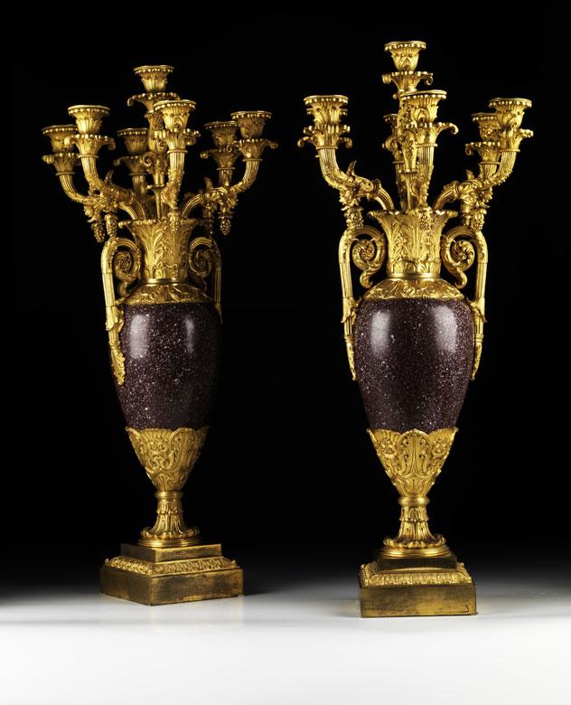 Paar russische Kaminkandelaber in Vasenform