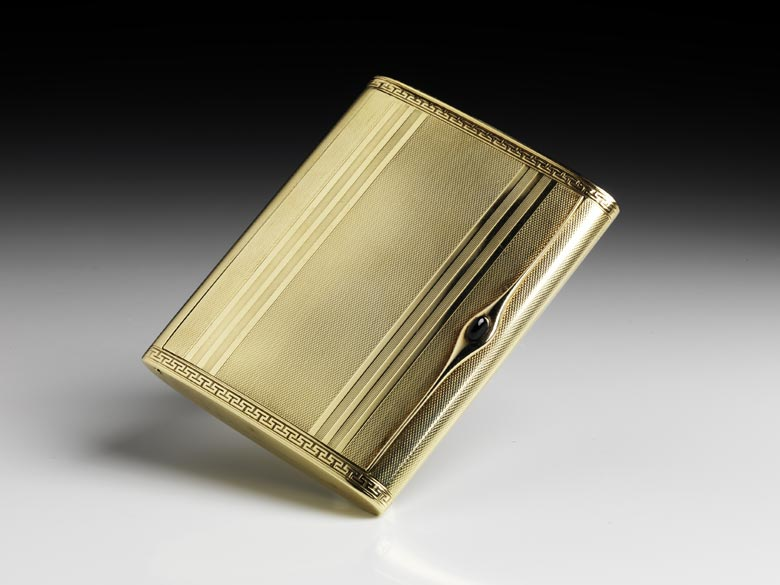 Goldene Zigarettendose