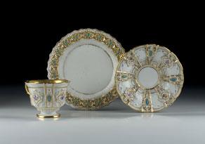 Detail images:  Meißener Porzellantasse mit Untertasse und Dessertteller