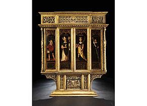 Detail images:  Hausaltar aus einer Schlosskapelle mit gotischen Reliefschnitzereien und gemalten Heiligendarstellungen