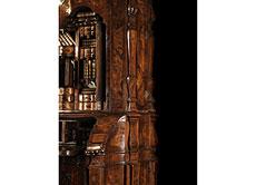 Detailabbildung: Großer, imposanter Aufsatzschrank