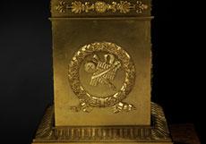Detail images: Paar figürlich gestaltete Kandelaber
