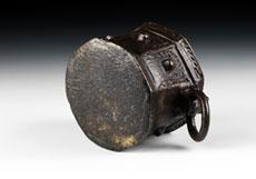 Detail images: Iranischer Bronzemörser