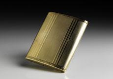 Detail images: Goldene Zigarettendose