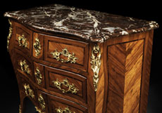 Detail images: Kleine Louis XV-Kommode