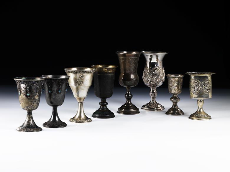 † Konvolut von acht Judaika-Silberbechern