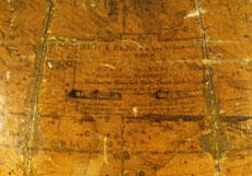 Detail images: Großer Himmelsglobus über hölzernem Dreifuß mit Kompass