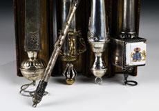 Detail images: † Sammlung von fünf Torazeigern in Silber