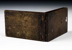 """Detail images: Kleine Klappsonnenuhr in Holz, Windrose signiert """"J.G. Kleininger""""."""