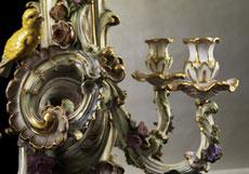 Detailabbildung: Bedeutender, großer Kaminspiegel in Meissener Porzellan