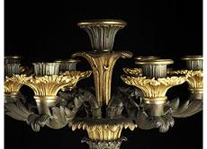 Detail images: Paar hohe Kamin- oder Tischkerzenleuchter in Bronze und Marmor