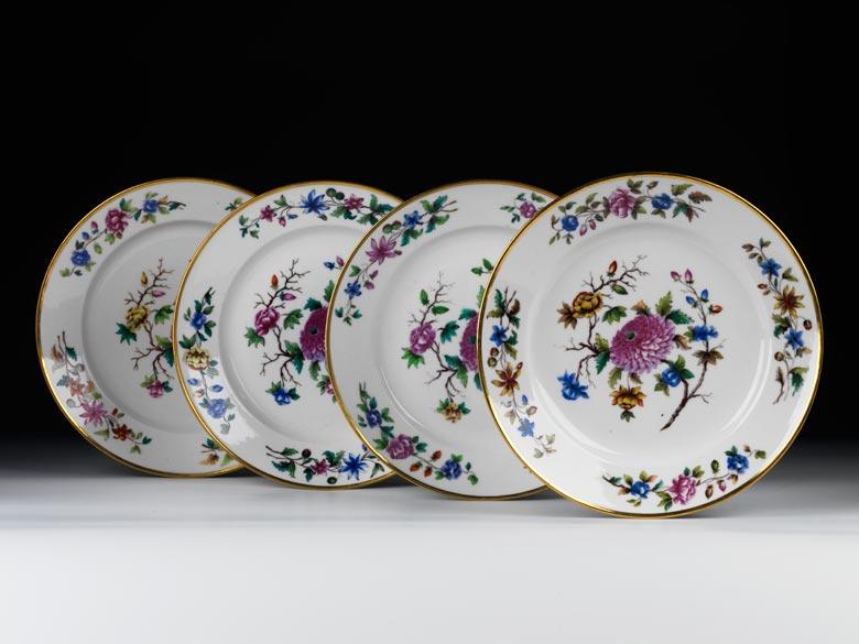 Satz von vier Tellern der kaiserlichen Porzellanmanufaktur