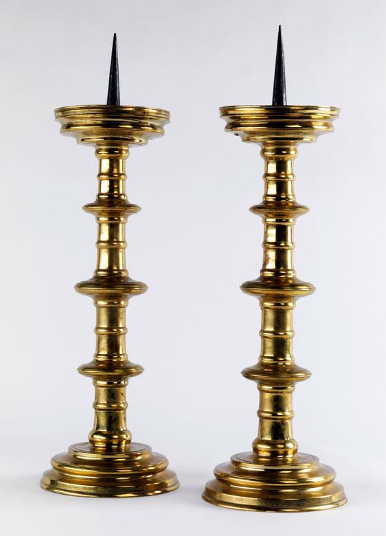 Paar gotische Scheibenleuchter