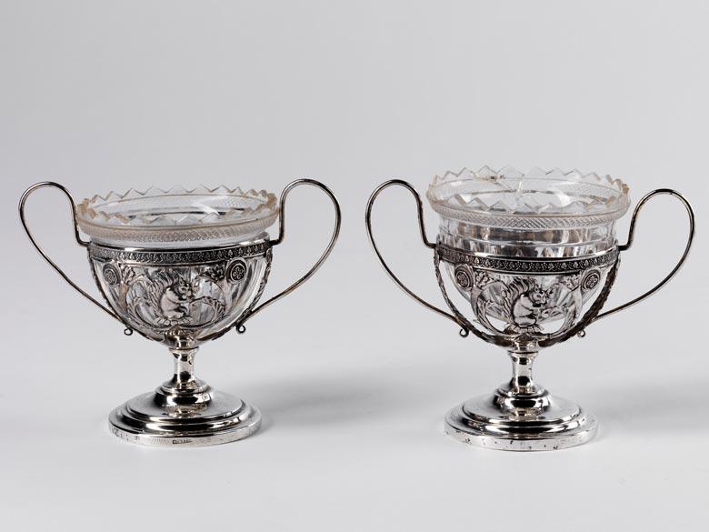 Paar Würzburger Tischgefäße mit Glaseinsätzen